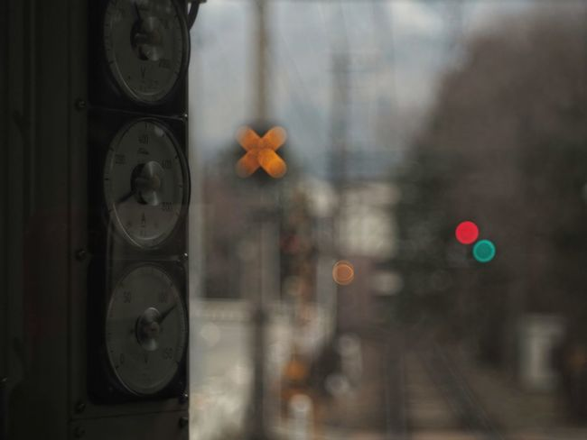 ✕と○ X Mark Bokeh Lights Meters Railroad Crossing From Train Window Capture The Moment Light And Shadow Getting Inspired Bokeh Photography 車窓から 踏切 箱根登山電車