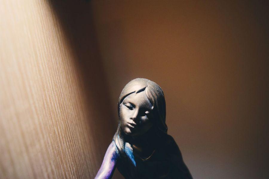 Light And Shadow Skulpture Indoors  Girl Taking Photos Eye4photography  Portrait