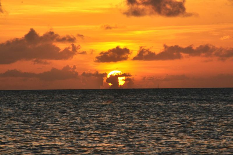 Atardecer en. El. Cayo Water Sea Sunset Horizon Beach Saturated Color Sun Awe Silhouette Dramatic Sky Seascape Coast Horizon Over Water Calm