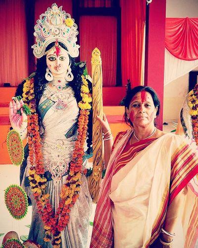 Mom With Saraswati Maa Durga Pujo Bengali Last Day Immersion Celebration Ends Nostalgia Jaidurgamaa Sindurkhela Red Colors Everywhere Awesome Looks Classic White