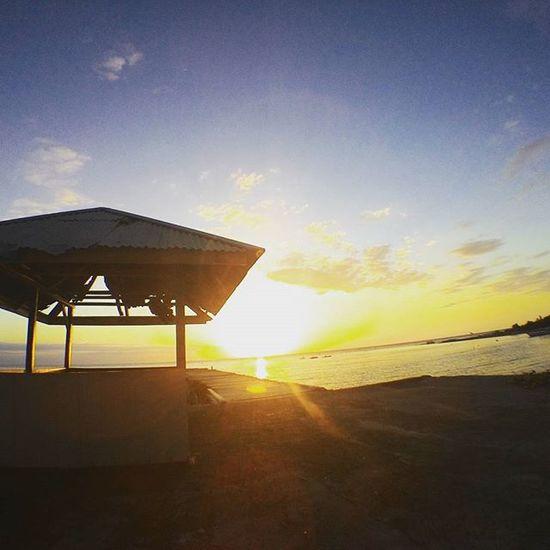 Bertemankan sunset Upload bersama Loc : Dermaga Tombiano,Padapu @instanusantara Instanusantara Inub9726 Palunagaya Vscocam Photography Folkindonesia Indonesiantraveler InstanusantaraPalu