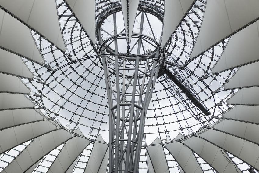 metallic daisy Architecturelovers Architecture Berlin Berlinstagram