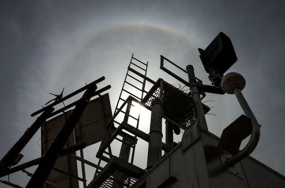 a Ladder into the sky, a Sun Dog on the platform of the eagles - Mojave Desert, california