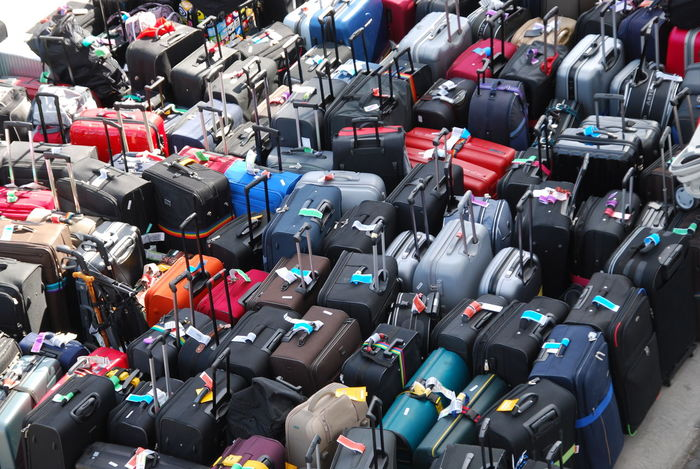 Baggage Baggage Claim Baggage Handler Baggageclaim Baggages Koffer Large Group Of Objects Luggage Luggage, Travel  Luggages No People Viele Koffer Let's Go. Together.