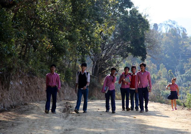 Bandipur Nepal Childhood Children Of The World Children Chidren On The Way Home Children On The Way To School