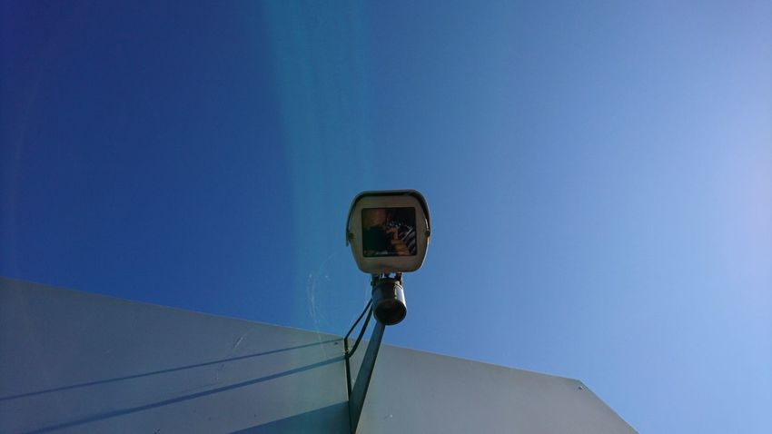 Selfie. Light Glitxh Hamburg Germany Hh Selfie Selfie ✌ Camera Surveillance Surveillance Camera Perspective Urban Blue Blue Sky Technology Security Above Big Brother Self-reflection Self-referential Technology Ski Lift Blue Clear Sky Electricity  Sky