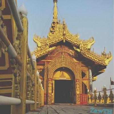 The PyiGyiMon Royal Barge. Barge Royalbarge Mandalay Myanmar Myanmarphotos Burma Burmeseart Burmesearchitecture Exploremyanmar Kandawgyi Goldenland Igersmyanmar Igersmandalay Vscomyanmar Burmeseigers GalaxyGrand2 Zawth Igersoftheday Picoftheday Igasia Gold Asean Aseantravel Aseanchannel