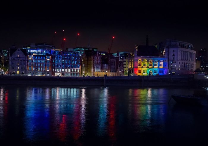 Blackfriars Night Illuminated Cityscape City Reflection Building Exterior Built Structure Nightlife City Life Architecture No People Outdoors Urban Skyline Sky Water Neon Canonphotography Canon City Canon5dmarkiv London Architecture The Week On Eyem Nightphotography Cityscape