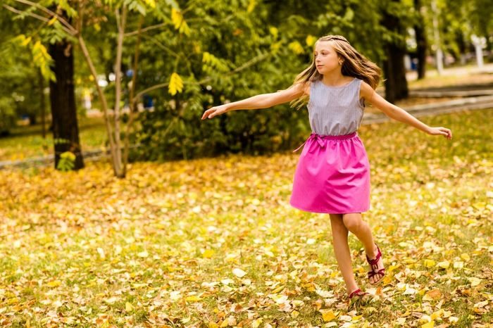Portrait Children Neture Autumn Colors