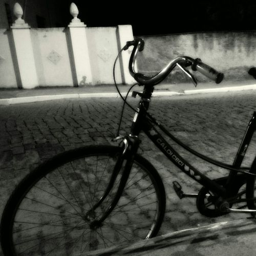 Brasil Photography Nigthpicture Streetphoto_bw Street Bycicle Old A Bycicle Urban Urban Geometry Retratos Urbanos