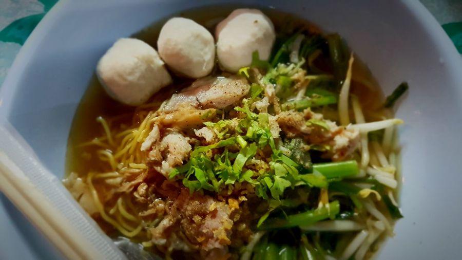 Bami lukchin Food And Drink Noodles Cultures Thailand Meatballs Sup Egg โกเด้ง โฮเด้ง ก๋วยเตี๋ยว บะหมี่ ลูกชิ้น