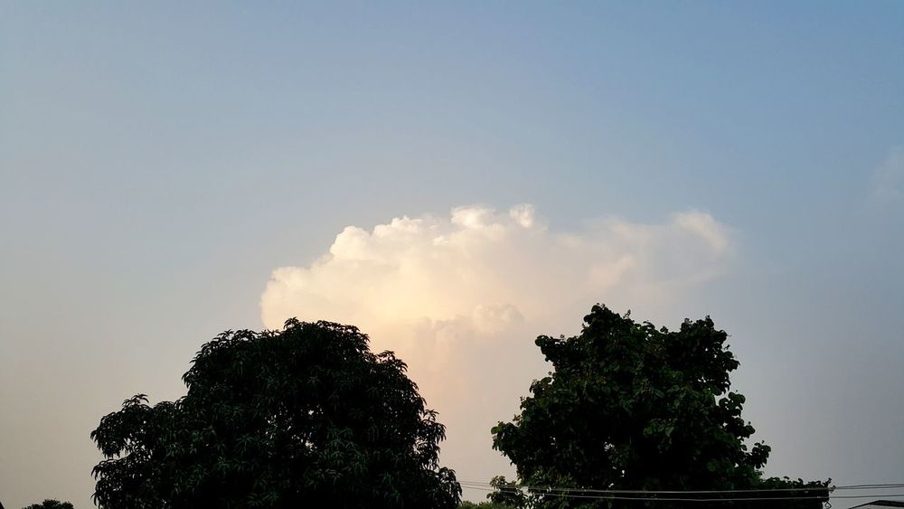 Relaxing Taking Photos Enjoying Life Check This Out Clouds And Sky EyeEm Nature Lover Eyem Best Shots Outside My House