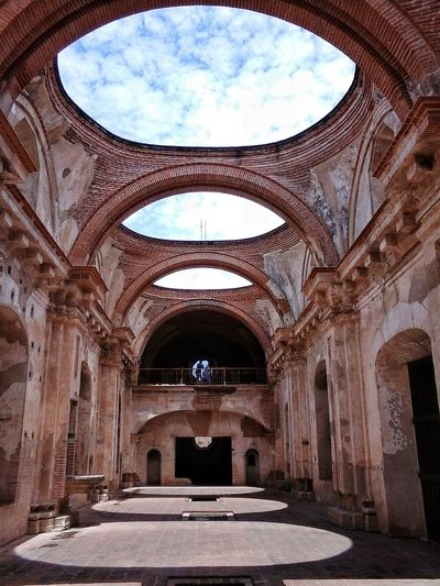 Antigua Guatemala Ruins Architecture Ruins Of A Church Church Buildings Church Ruins Old Architecture Architecture Photography Colonialchurch Churches And Beauty Guatemalasecrets Churchesoftheworld Architecturephotography