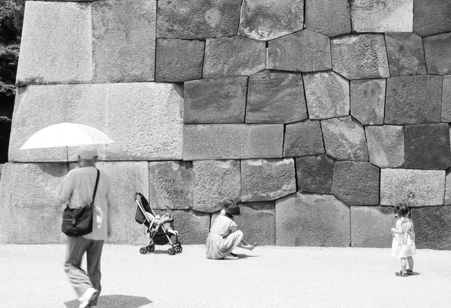 Edo Castle Castle Tokyo Wall Umbrella Kids Shoes Black And White Summertime Summer Views Snapshot OpenEdit Capture The Moment People Watching People People Photography Peoplephotography Tokyo,Japan