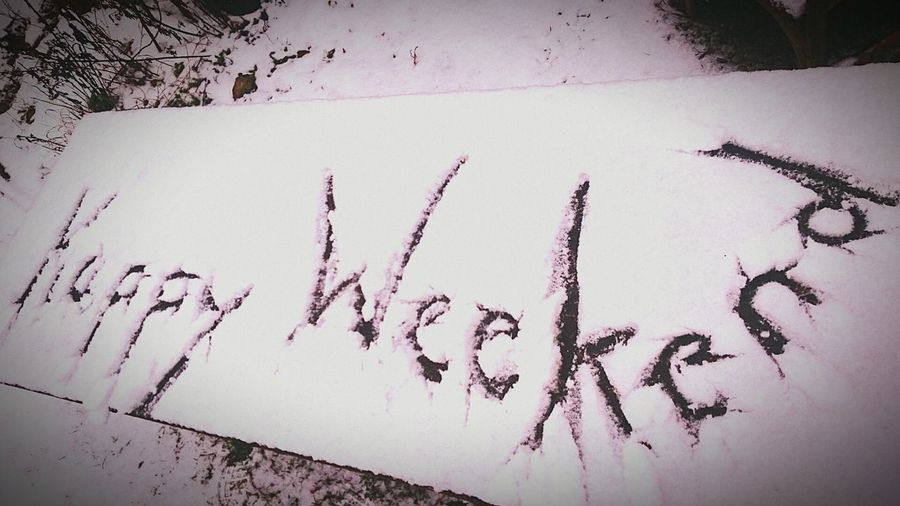 WWW-Weißes Winter-Wochenende.Outdoors No People Handwriting  Nature Day Weekend Weekend ♥ Weekly Welcome Weekly Best Snow ❄ Snowdonia Snow Covered Table Decoration Tables Garden Photography Garden Art LandArt Relaxing Time White First Eyeem Photo FirstEyeEmPic First Eyeem Photo