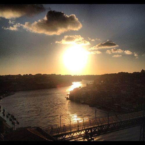 #porto #gaia #sun #summer #sunset #bridge #portugal #portugaldenorteasul #igersportugal #igers #instagram #instagood #photooftheday Igersportugal Igers_porto Summer Portugaldenorteasul Sun Igers_porto_sunset Sunset Bridge Porto Portugal Photooftheday Instagram Gaia Igers Instagood