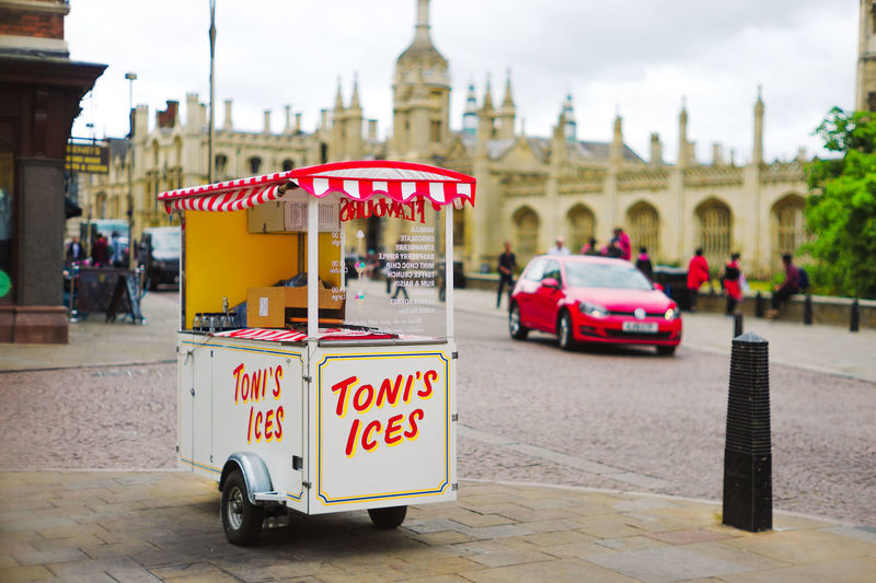 Cambridge University Architecture Cambridge City Day Trip England Focus On Foreground Historic Ice Cream Icecream No People Outdoors Red Car Sky Stall Street Food Tourism Travel Destinations Uk