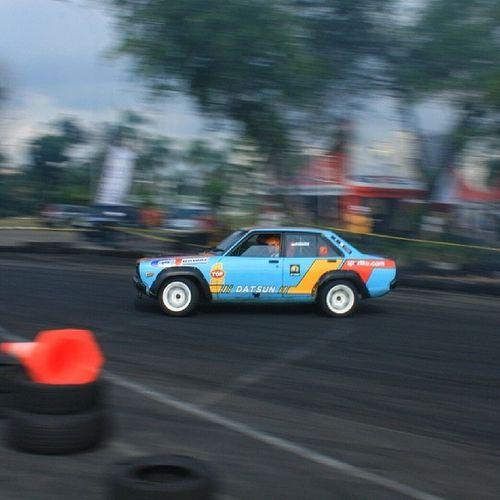Datsun doing sideways. Joyofmachine Speedhunting Instacool Datsun japanese drifting