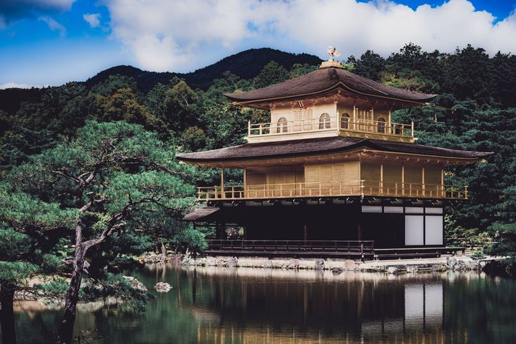 Golden Travel Biginjapan Happiness Golden Temple Japan Eaves Mountain Nature Scenics Outdoors Day Beauty In Nature Sky