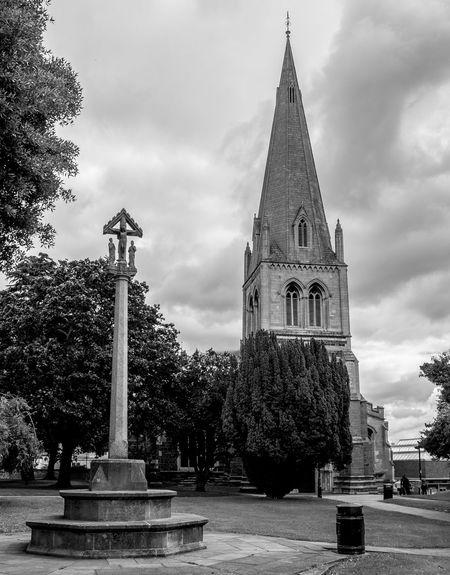 Church of All Hallows and War Memorial, Wellingborough, Northamptonshire Northamptonshire Wellingborough Monochrome FUJIFILM X-T10 Black And White Architecture Church War Memorial