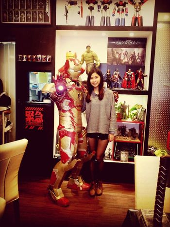 還有超惡男子,超開心 That's Me Enjoying Life Robot Iron Man 3