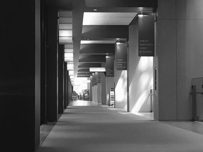 No People Tokyo Tokyo Midtown View Weekday Afternoon Building Shopping Mall Corridor Silence Moment 東京 東京ミッドタウン 平日午後 静寂 ショッピングモール Downtown District City Landmark Tokyo Landscape Anniversary