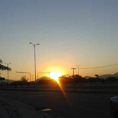 E o Domingo foi lindo, e para encerrar, um fim de tarde Maravilhoso com um pôr do sol lindo. Amém ! ? ?