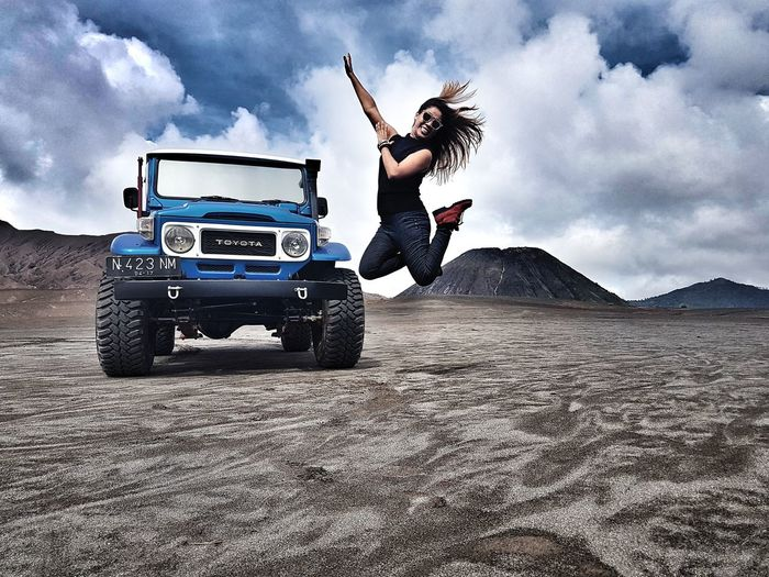 Amazing country and good memories Journey Indonesian Mountain Mountains And Sky Jumping Flying In The Sky Nature Enjoing Life The Great Outdoors Nature Thats Me! Photo Of The Day Womens Portraiture Outdoors