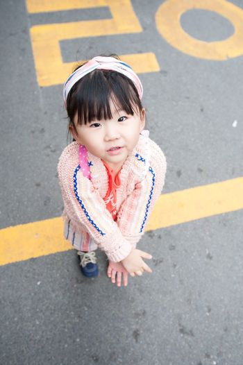 My daughter at Gohyeon's market. Nikon D700 (1/250s - f/4.5 - iso 800 - 20mm) Eye4photography  South Korea Portrait Nikonphotography Cute Face Asian Culture D700 EyeEm Best Shots Nikon 20mm Korean Korea Asian  ASIA The Purist (no Edit, No Filter) The Week on EyeEm One Person Child Childhood Real People Cute High Angle View Full Length Innocence Girls Outdoors Standing Looking At Camera