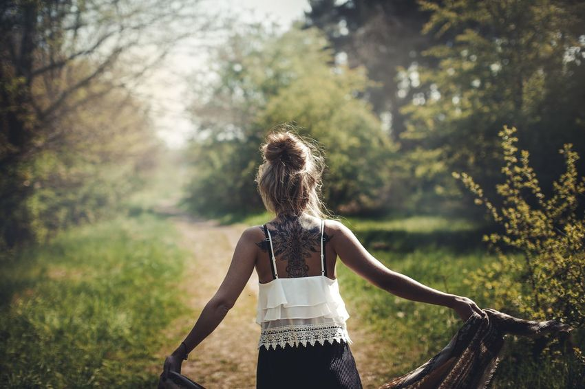 Feeling alive Tree Rear View One Person Real People Day Focus On Foreground Standing Women Nature Outdoors Beauty In Nature Blond Hair Lifestyles Young Women EyeEmNewHere