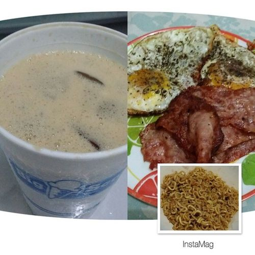 Home-made Frothy Iced Coffee x Lean Bacon x Sunny-side Up Eggs x Sweet&Spicy Pancit Canton Breakky Morningmunch Basiloneggsisyummm HomeAlone imissmylove