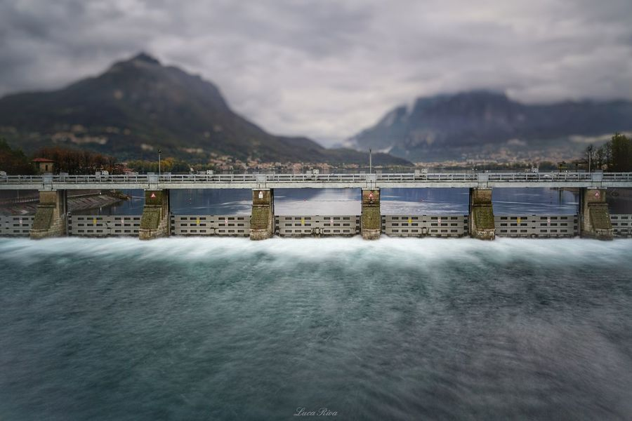 Olginate, la diga EyeEm Selects Sony A7r2 Fe35f28z Zeiss Garlate Como Lecco Lake Olginate Diga Gate Lago Di Garlate,italy Mountain Water Sea Beach Sky Cloud - Sky Bay Of Water Suspension Bridge Bridge - Man Made Structure Engineering