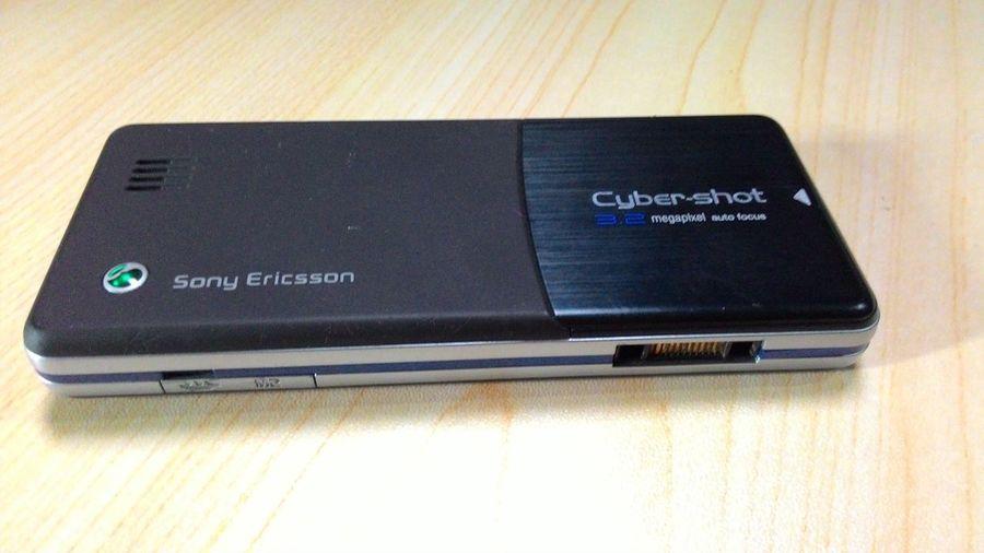 Black Color Close-up Communication Handphonephotograhy Handpo Indoors  Technology Wireless Technology First Eyeem Photo