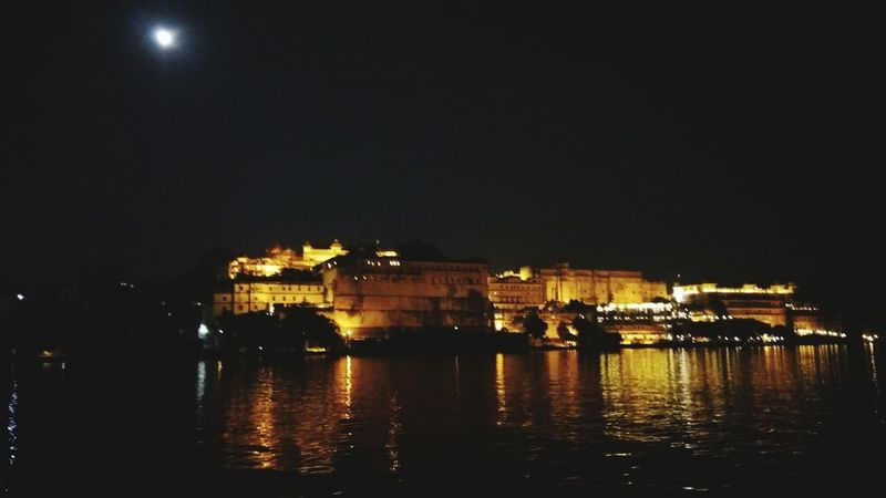 Night Illuminated Reflection Architecture Outdoors Water Built Structure No People Building Exterior PhonePhotography Historical Site Historical Building Besidethelake Beauty In Nature Udaipur Citypalace Politics And Government Sky City