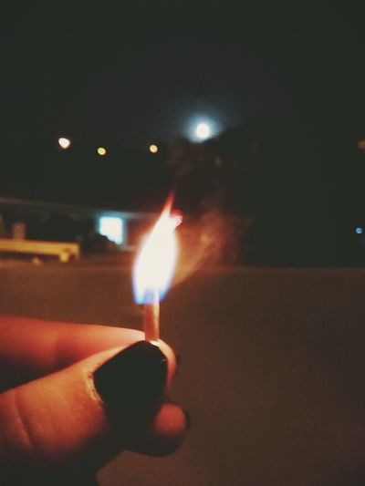 """""""El fuego destruye todo a su camino, pero tu cariño, eres peor que eso""""."""