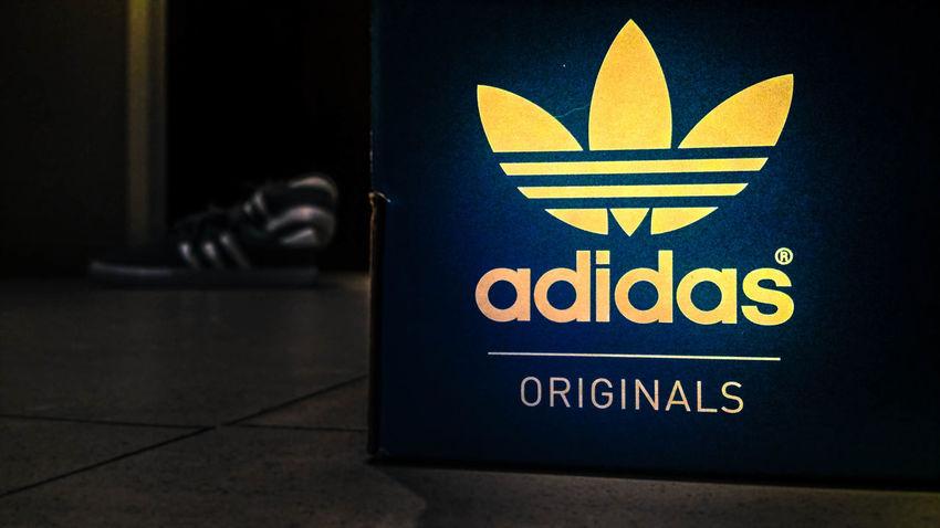 Adidas Originals Spot light Adidas Originals Close Up (:  Sneakerhead  Spot Light  My Adidas Adidas 4 Life AdidasLover❤ Adidasoriginals Adidassneakers Close Up