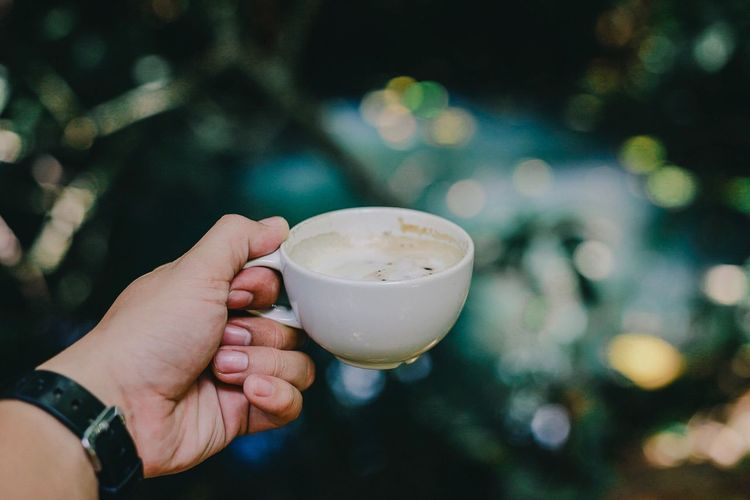 Human Hand Hand Human Body Part Holding Refreshment Drink Coffee - Drink Close-up Cup Coffee Lifestyles First Eyeem Photo