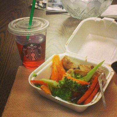 my #healthy #lunch of #tea and #teriyaki #chicken and #vegetables. Tea Lunch Chicken Starbucks Healthy Vegetables Foodporn Foodstagram Rkoi Teriyaki Richkidsofinstagram Rkoig