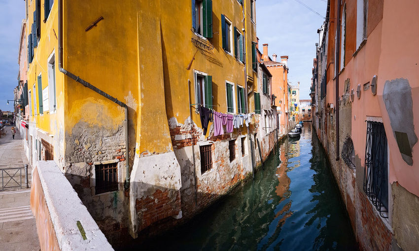 Fondamenta dei Ormesini Panoramic Views Going Wide Motorboats Boats Travel Traveling Travel Photography Window Building Exterior Built Structure Architecture Water Residential Building Day Outdoors No People City Sky