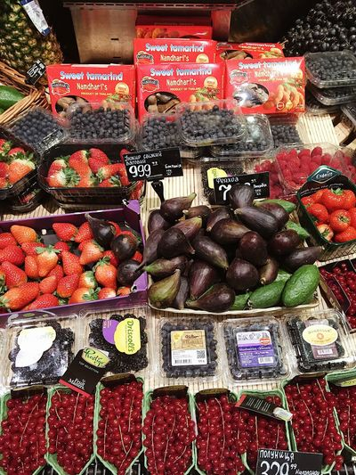 Exotic fruits and berries in the supermarket in Kiev, Ukraine Berries Exotic Kiev Shopping Supermarket Ukraine Abundance Arrangement Business Choice Exotic Fruits Expensive Expensive Food Food Freshness Fruits Healthy Eating Large Group Of Objects Market Market Stall Red Small Business Spice Variation Wellbeing