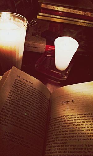 Book's Time Relaxing Nigth With Books