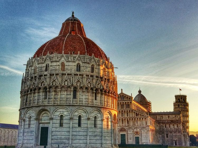 Good Morning to you all! Architecture Dome Religion Travel Destinations Built Structure Outdoors Sky Day Italy🇮🇹 Pisa Tower Of Pisa Morning