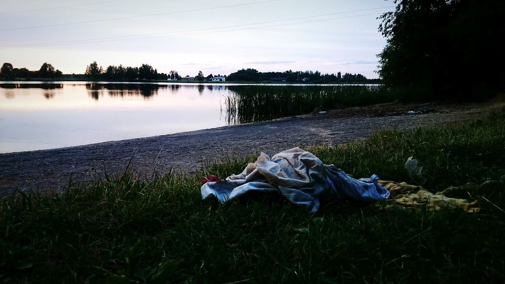 Taking Photos Lake Dam Rags Trash Water Evening Kėdainiai Vilainiai Evening Sky Nature Nature Photography Hello World