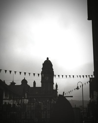 ... market day ... Monochrome Photography Newtown Powys Wales Architecture Silhouette Outline Cloudy Built Structure Sky City City Life Cloud - Sky Town город Mono Monochrome Blackandwhite