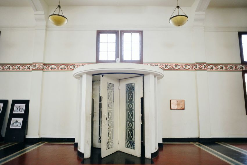 Old main rolling door in De Javasche Bank. Indoors  Business Finance And Industry No People History Day Architecture Built Structure Politics And Government Doors Surabaya INDONESIA