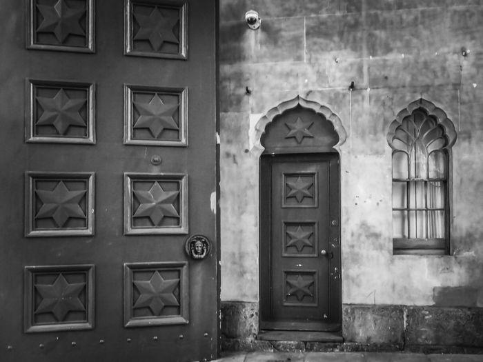 Bnw_doors for Bnw_friday_eyeemchallenge Bnw_collection Building Exterior Entrance Door Closed Door No People in Blackandwhite Blackandwhite Photography Brighton Dome Open Edit
