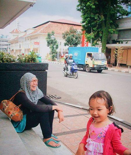 Throwback Sidewalk Laughandtalk via Vscocam