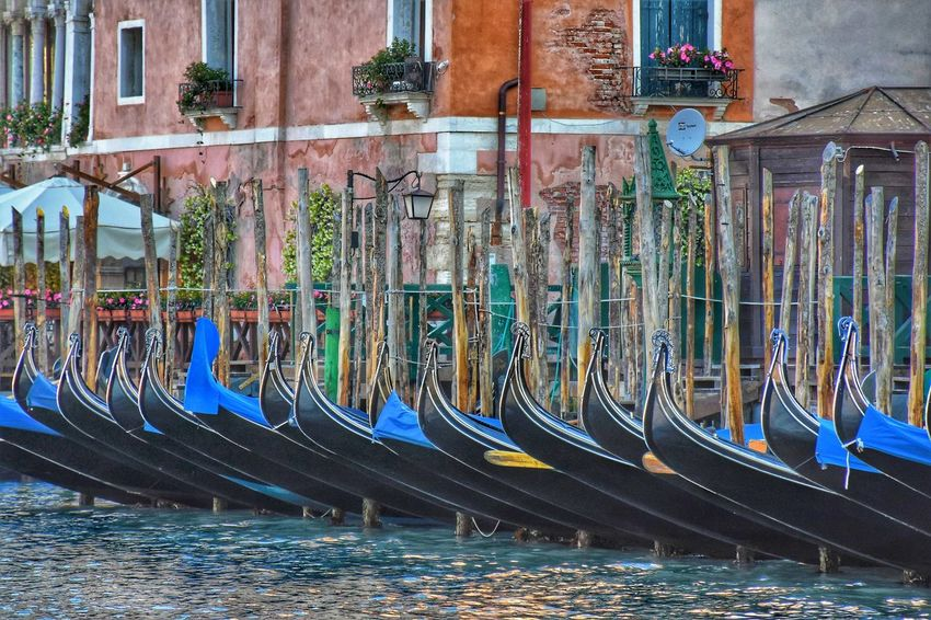 Venice Gondolier Gondola - Traditional Boat Gondola Gondole In Venice Canal Streetphotography Water Built Structure Architecture Boat Nautical Vessel Water Vehicle Port The Architect - 2018 EyeEm Awards