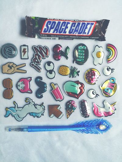 It's amazing how a Snickers, puffy stickers, and a new top of the line glitter pen from the Dollar General can improve your mood. Glitterpen Puffystickers 90's Vibe Spacecadet Snickers