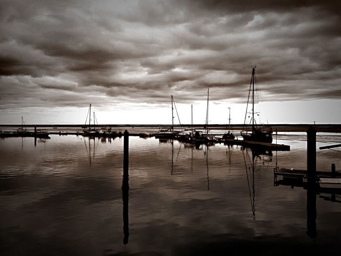 Olhao Portugal Dark Photography Water Sea Reflection Sky Cloud - Sky Harbor